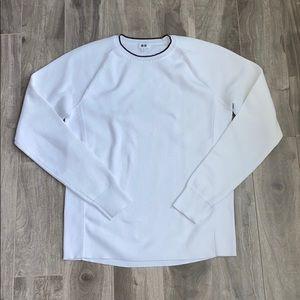 Men's Uniqlo sweater